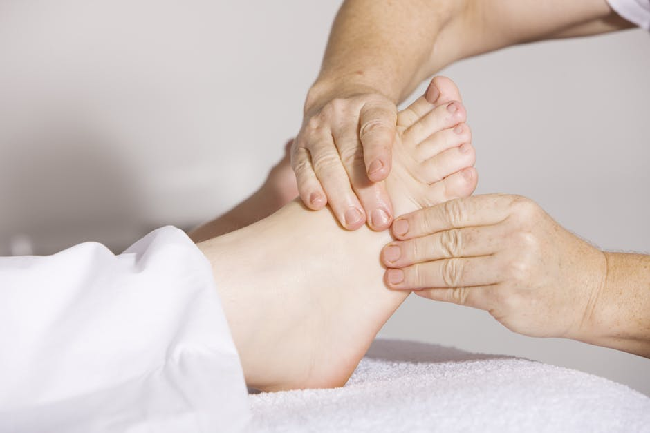 Sleeping Acupressure Foot Points for Back Pain