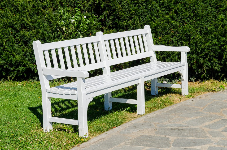 Outfit Your Outdoor with a Bright Color Bench
