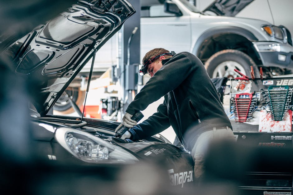 Benefits of taking the services of an auto electrician
